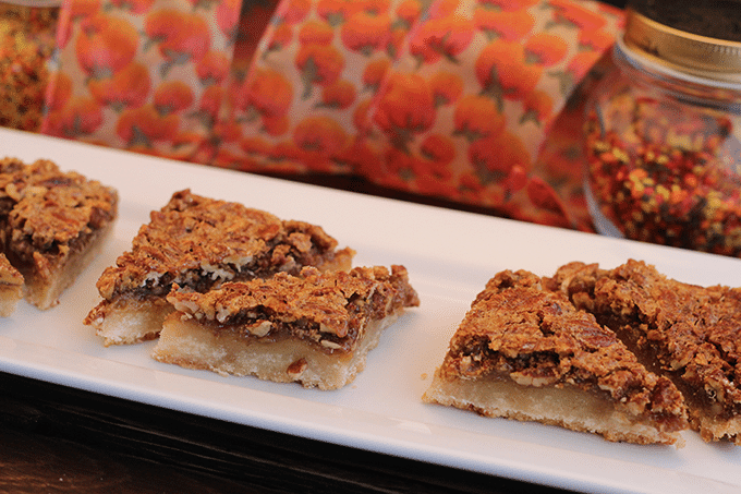 Pecan Pie Bars via Cookie Dough and Oven Mitt