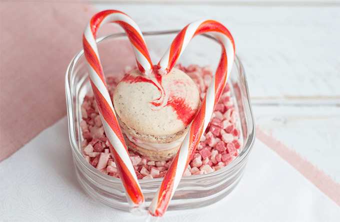 Peppermint French Macarons - Cookie Dough and Oven Mitt
