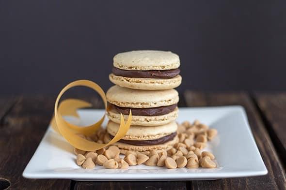 Peanut Butter Macarons w/ Chocolate PB Macarons #PBBash