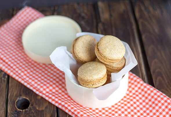 Pumpkin Macarons with Cinnamon Brown Sugar Frosting