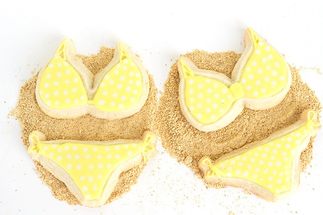 Lemon Cut-out Sugar Cookies with Lemon Royal Icing Recipe - This is a new favorite icing of mine!