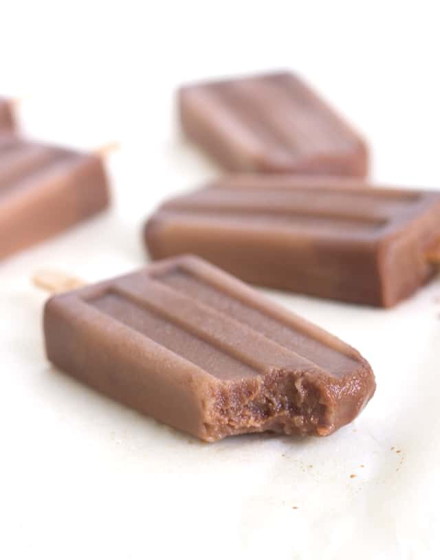 Mocha Pops Recipe! Delicious iced coffee pops with a nice mix of almond milk and chocolate.