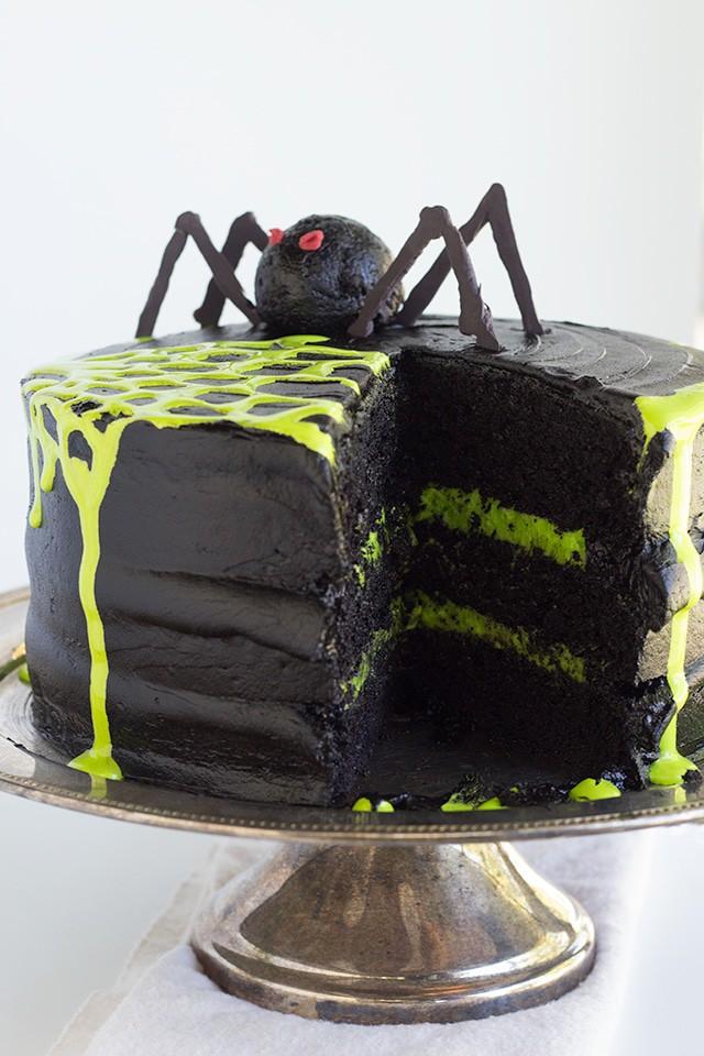 spooky-spiderweb-cake-5
