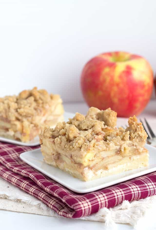 Apple Pie Crumb Bars - tender shortbread crust with an apple pie filling and topped with a easy crumb.