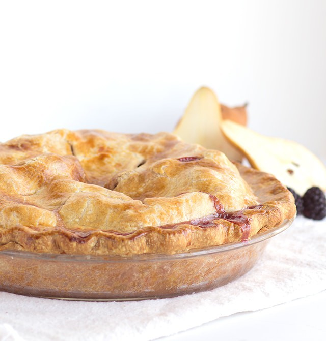 Blackberry Pear Pie - Fresh blackberries and pears stuffed inside a golden brown pie shell!