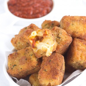 Fried Macaroni Pizza Poppers - The perfect carby pizza appetizer! They're loaded with gooey cheese, mini pepperoni, sauce and macaroni!