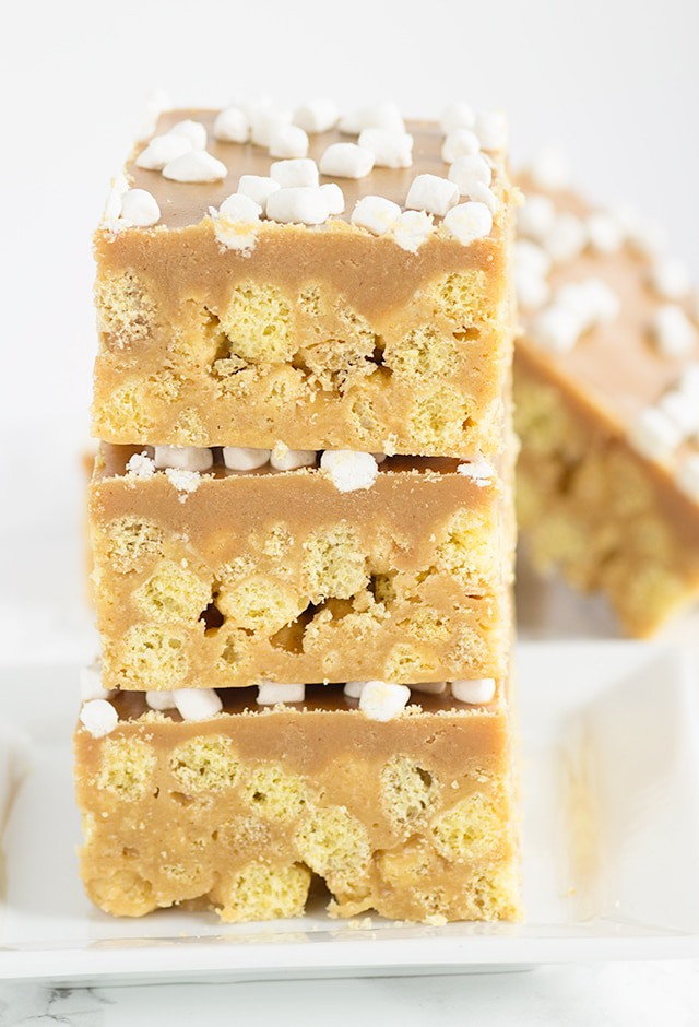 No Bake Peanut Butter Cereal Bars - packed full of peanut butter cereal, marshmallows, and an insanely delicious peanut butter ganache.