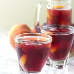 Peach Raspberry Iced Tea - easy, refreshing iced tea with the perfect peach and raspberry flavor combination.
