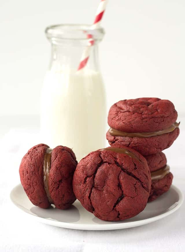 Nutella Filled Red Velvet Sandwich Cookies - cake like red velvet cookies with a delicious nutella filling!